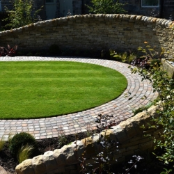 "York Stone Walling with York Stone ""Hogs Back"""